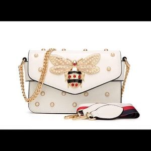 Handbags - Super Cute Bee Embellished Bag🐝✨